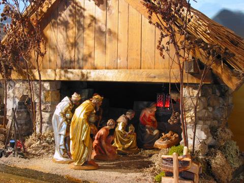 Les crèches de Noël 2015 Deutsche_krippe2_0456_0209_480
